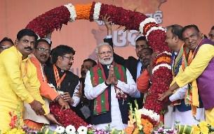 Modi attacks Cong & BJD