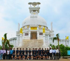 Japan Men's Hockey Team Enjoys Visit To Dhauli Shanti Stupa