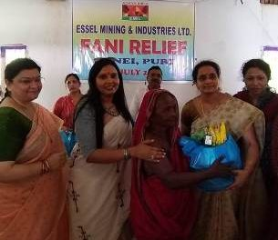 Essel Ladies Club stands by Fani affected villagers in Junei of Konark