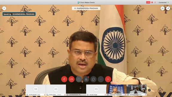 Union minister Pradhan suggests working group to boost steel consumption in India