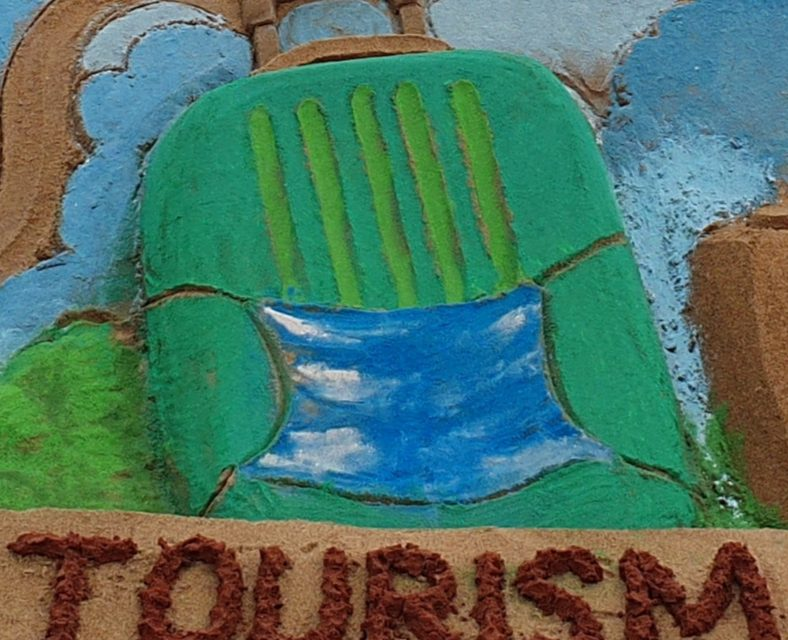 Int'l sand artist Manas celebrates World Tourism Day