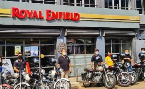 Royal Enfield celebrates Puja, delivers 500 motorcycles across Orissa in a single day