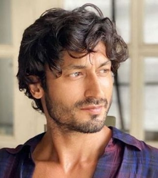 Vidyut extends support to encourage movement for tiger conservation