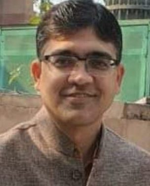 Sarat Kar's son Sobhan Kar taken VRS from IRS,likely to join politics