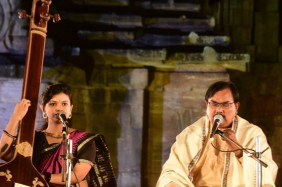 Rajarani Music Festival: Odissi vocal & Sitar recital mark the 2nd evening