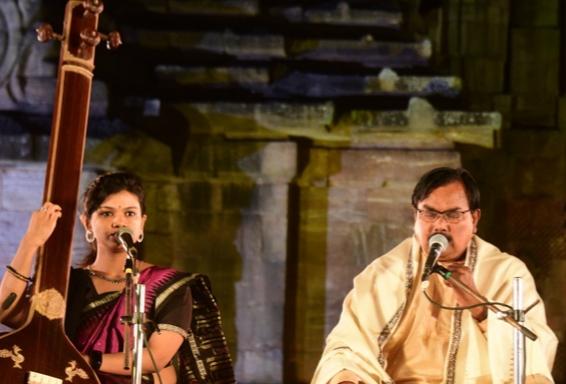 Rajarani Music Festival: Odissi vocal & Sitar recital mark the 2nd evening