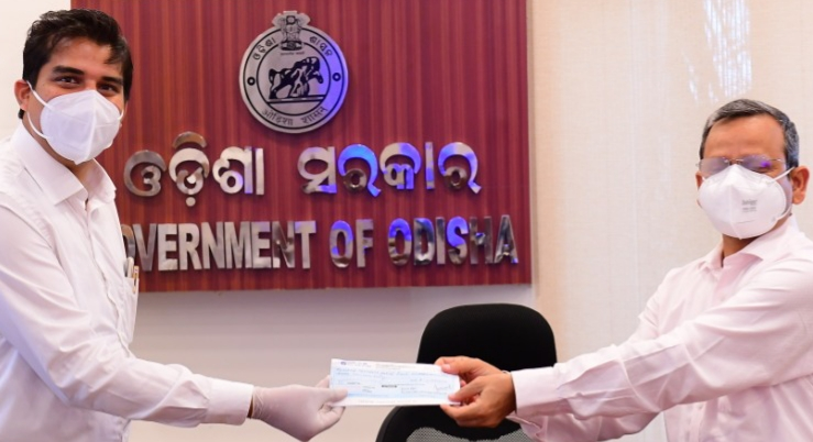 OSIC chairman hands over Rs 10 lakh cheque to CM Relief Fund